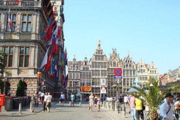Gran Plaza del Mercado (Grote Markt) en Amberes - Casas gremiales Amberes - Visita privada de Amberes.