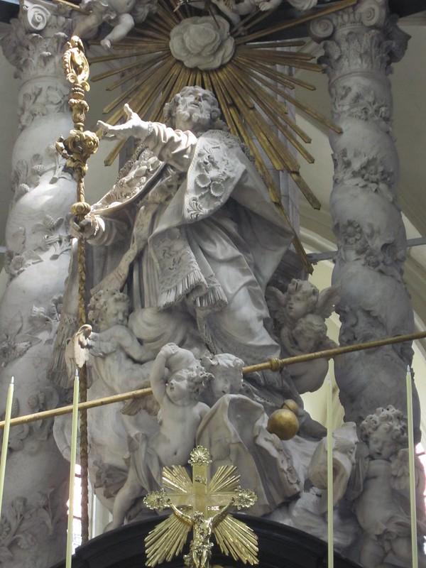 La Iglesia de San Santiago, Amberes - El altar mayor de A. Quellin II de 1685.