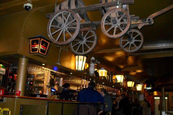 Tour de la cerveza por el centro histórico de Bruselas.