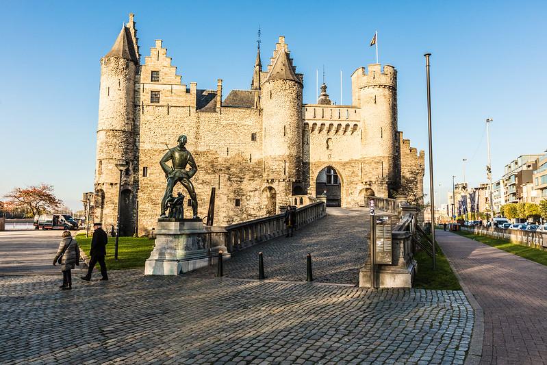 ¿Que ver y hacer en Amberes en  día?-Excursión a Amberes desde Bruselas - En imágenes. Castillo medieval Steen - Amberes