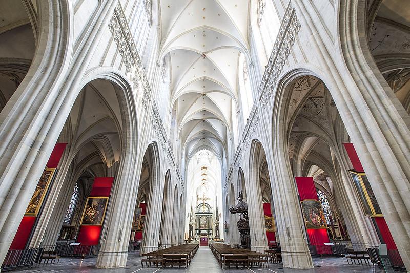 Interior de la Catedral de de Amberes.