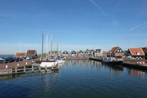 El ferry que sale de Marken - Tour por los pueblos holandeses ©Richard Mortel