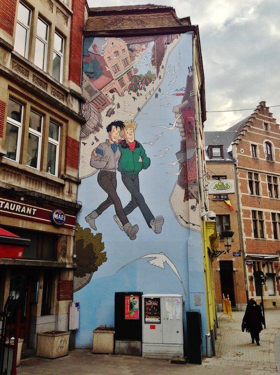 El mural de Enredo de Frank Pé-Circuito de los murales del cómics en Bruselas