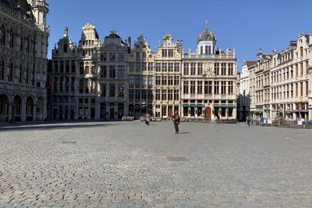 Imagen de La Grand-Place de Bruselas durante la crisis del Coronavirus (Covid-19)