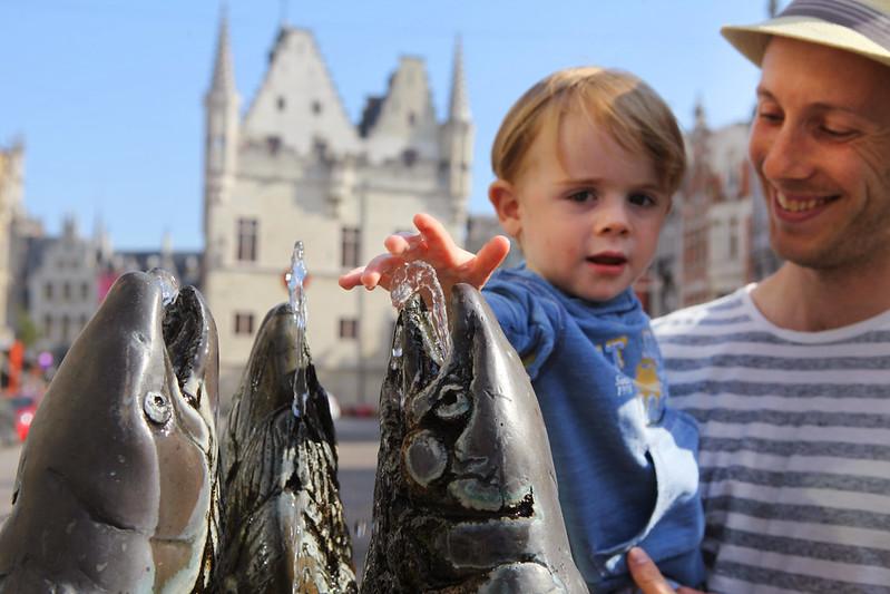 La plaza IJzerenleen, Malinas Bélgica (plaza del pescado).