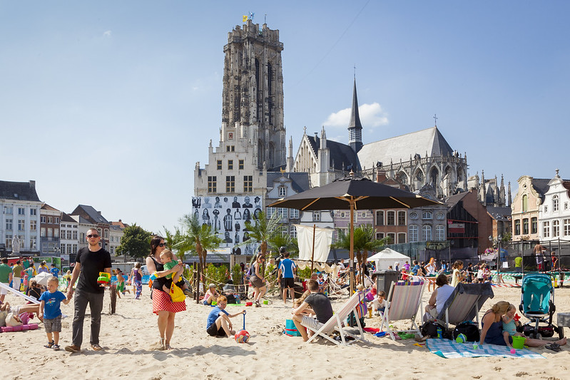 La Plaza Mayor de Malinas Bélgica