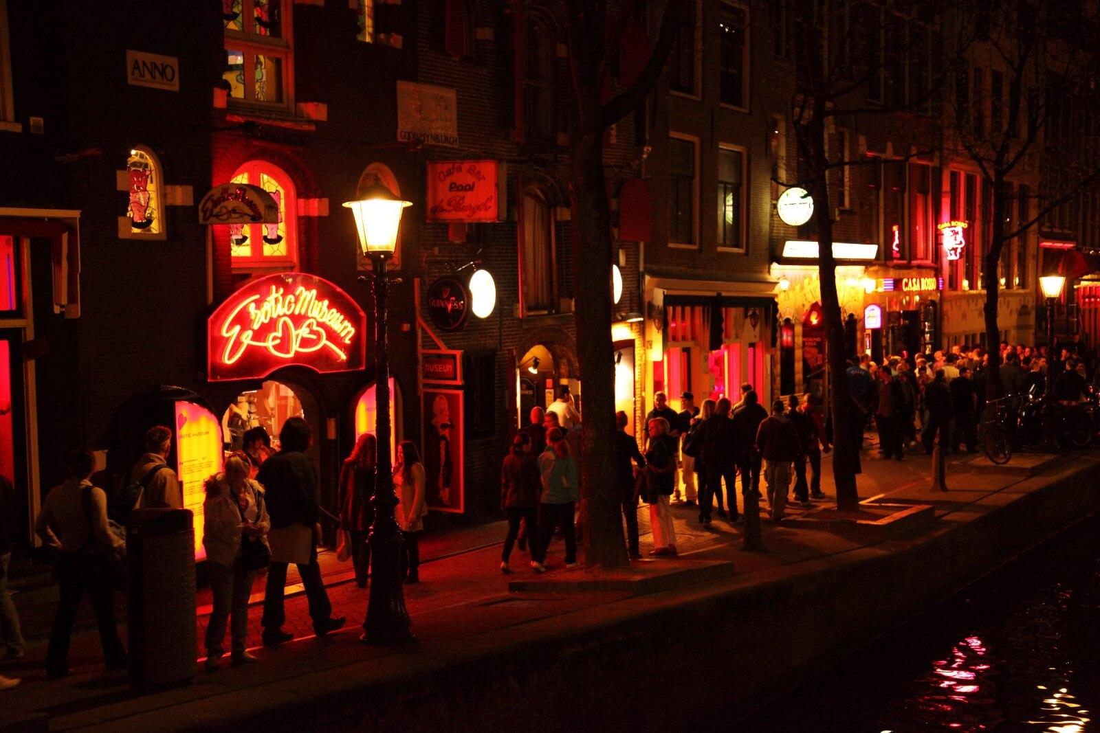 Noches de Ámsterdam - Tour por el Barrio Rojo y los Coffee shops de Ámsterdam