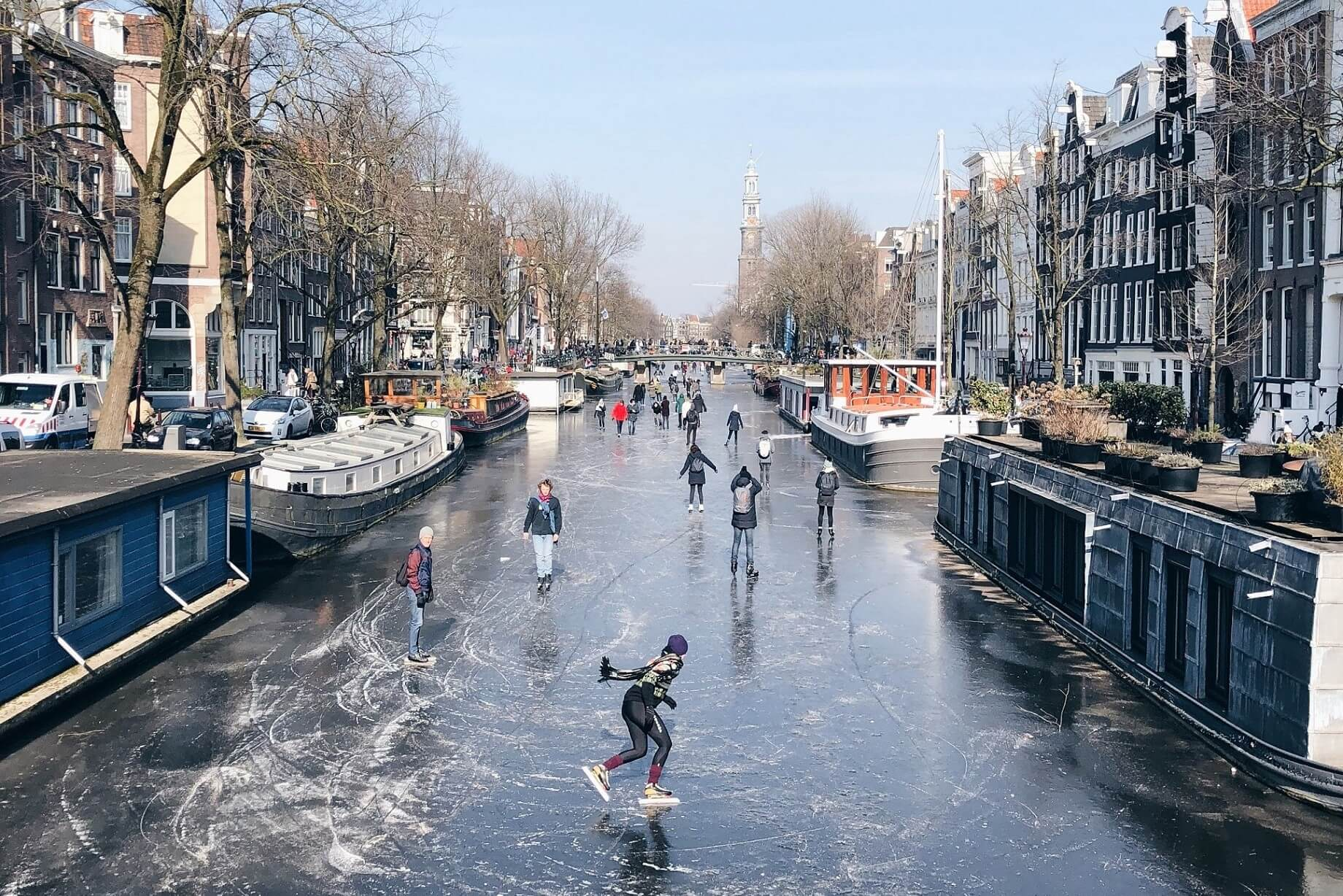 Patinaje sobre hielo en los canales de Ámsterdam - Excursión Ámsterdam desde Bruselas