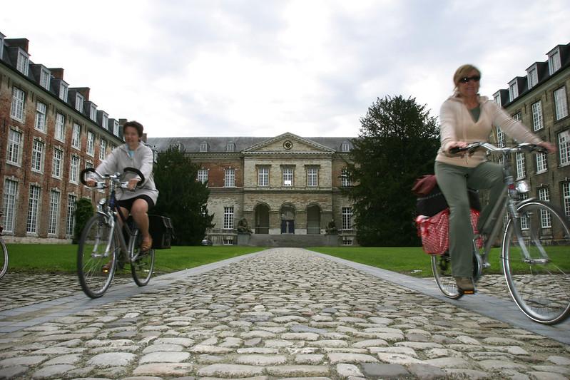 ¿Qué ver y hacer en Lovaina en un día?-Colegio Adriano de Utrecht, Lovaina. Excursión a Lovaina desde Bruselas - En imágenes.