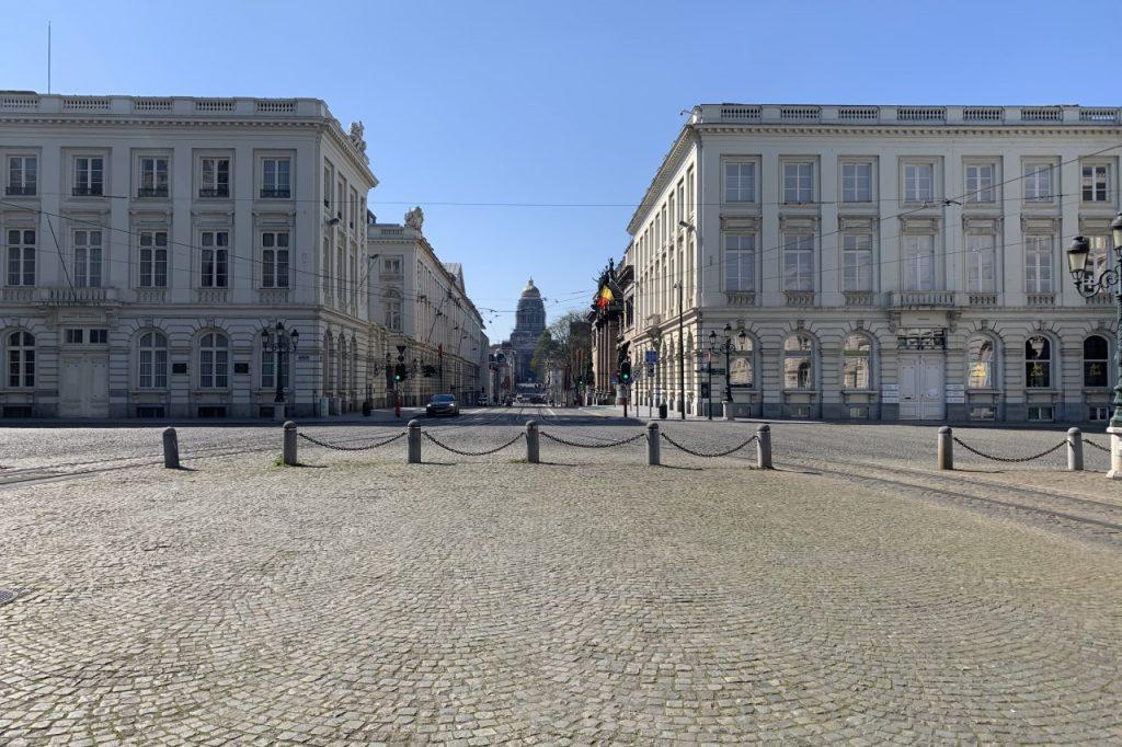 Plaza Real, Museos Reales de Bellas Artes de Bélgica y el Palacio de justicia de Bruselas