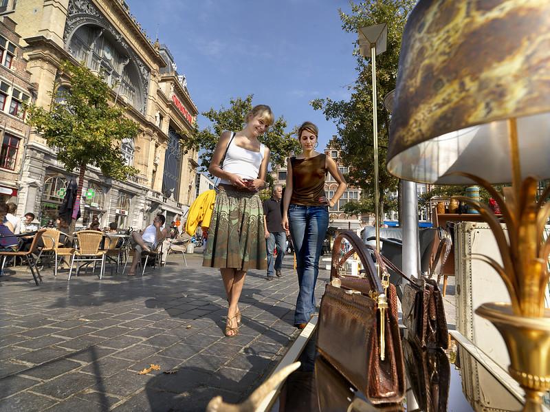¿Que ver, que hacer en Gante? Descubre nuestro itinerario, en imágenes - La Plaza del Mercado del Viernes.