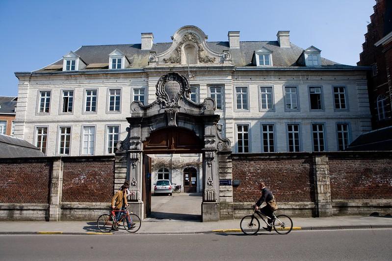 ¿Qué ver y hacer en Lovaina en un día?-Premonstratense Colegio - Colegio de los Prémontrés Lovaina Bélgica.