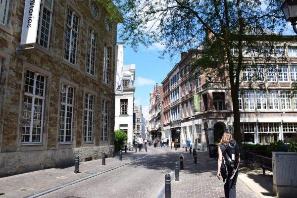Pequeñas calles históricas de Gante - Antiguo Barrio Medieval de Gante.