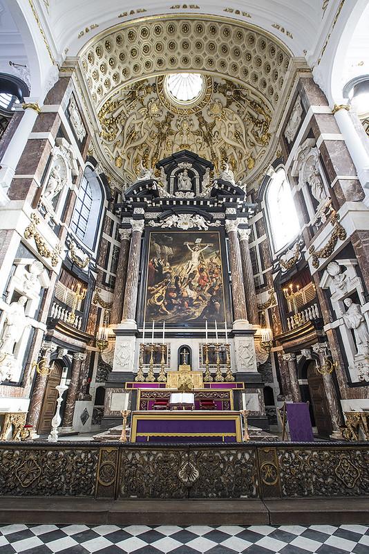 Altar Mayor de la Iglesia de San Carlos Borromeo.