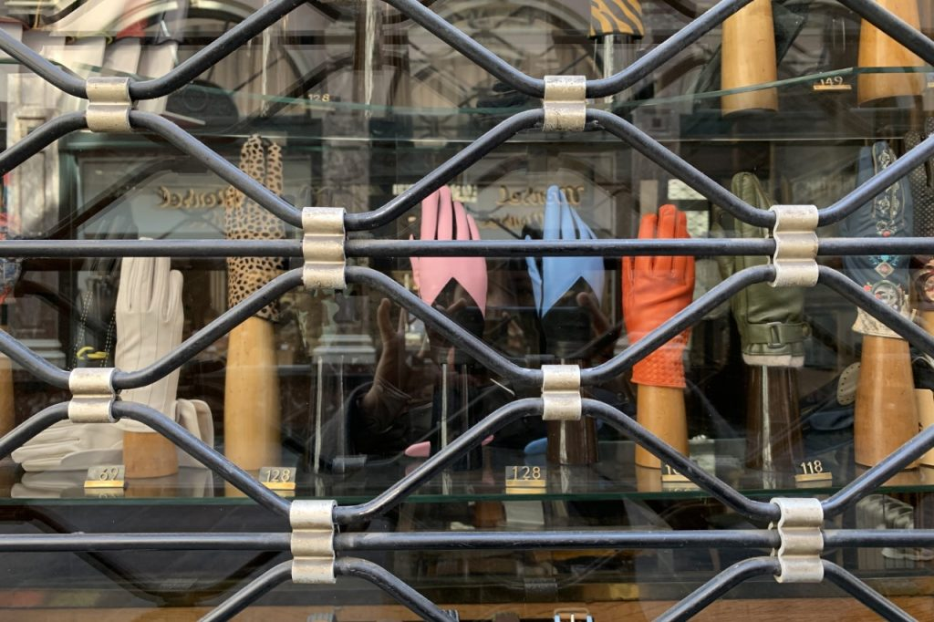 Tienda cerrada en el centro histórico de Bruselas