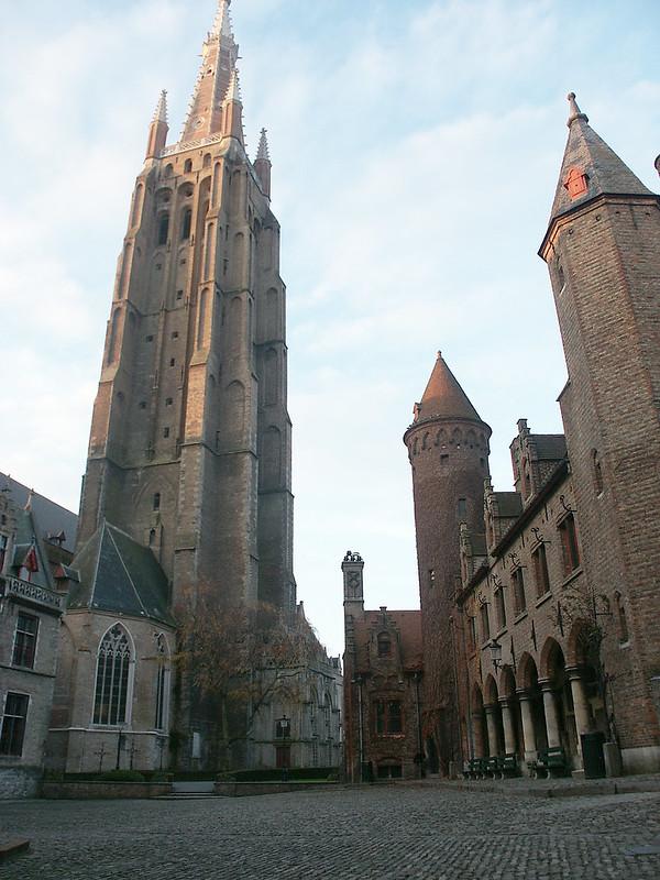 Excursión a Brujas desde Bruselas - En imágenes. La Iglesia de Nuestra Señora (Onze-Lieve-Vrouwekerk).