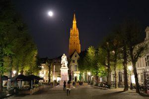 Tour gratis por Brujas. Historia, misterios y leyendas de la ciudad de Brujas - El misterio de Brujas bajo la luna llena
