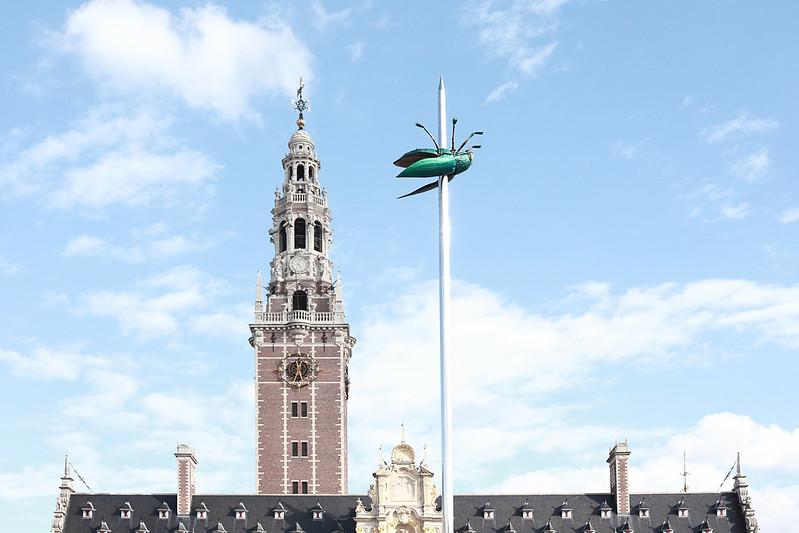 ¿Qué ver y hacer en Lovaina en un día?- El Tótem plaza Ladeuzeplein Lovaina Bélgica. Excursión a Lovaina desde Bruselas - En imágenes.