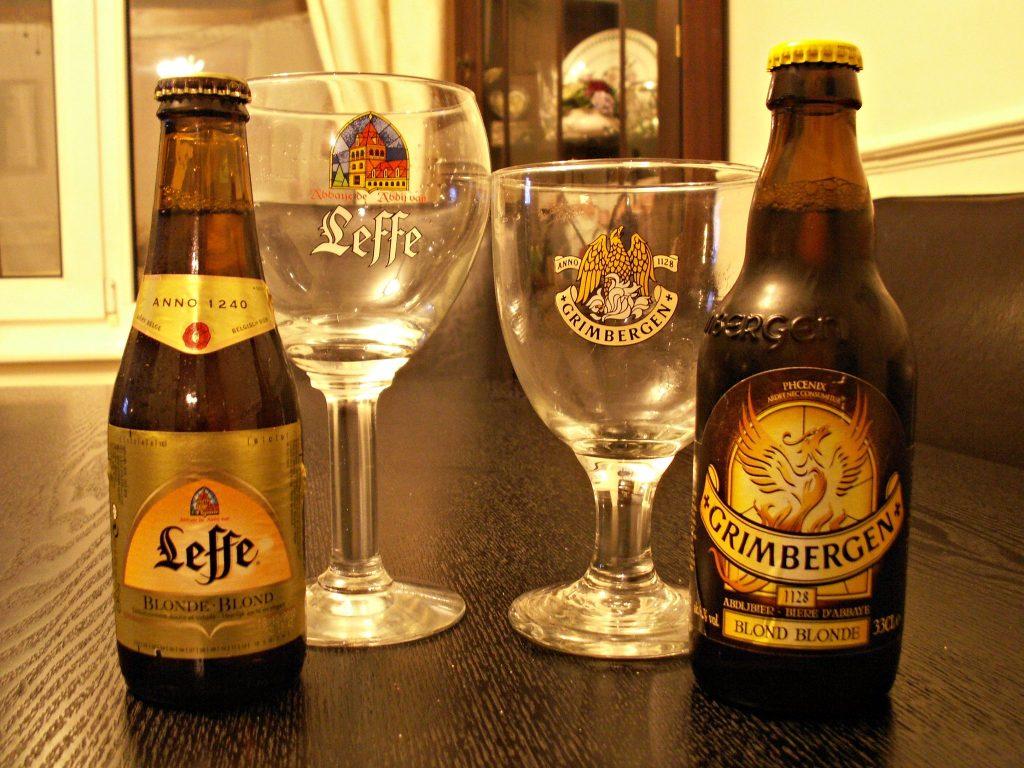 Les bieres d'abbaye belges. La Leffe et la Grimbergen.