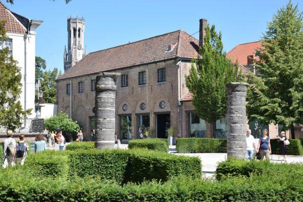 Bruges - Arentshof - Quatre cavaliers de l'Apocalypse.