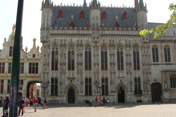 Hôtel de ville de Bruges (1376-1420) - Visite privé de Bruges.