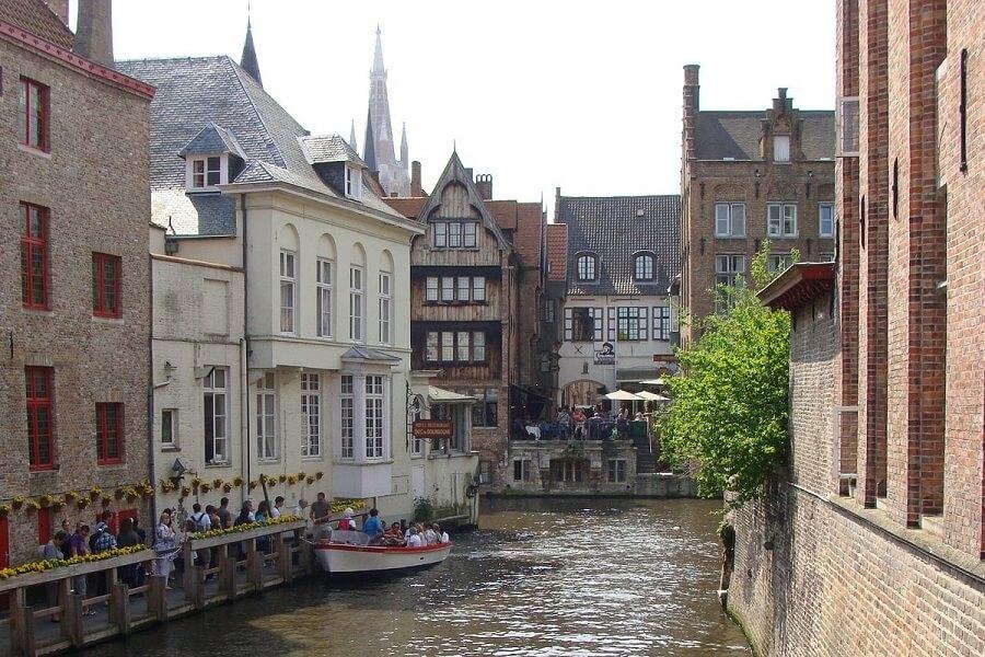 Balade en bateaux sur les canaux de Bruges