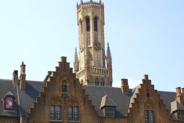 Maisons médiévales de Bruges et le Beffroi de Bruges.