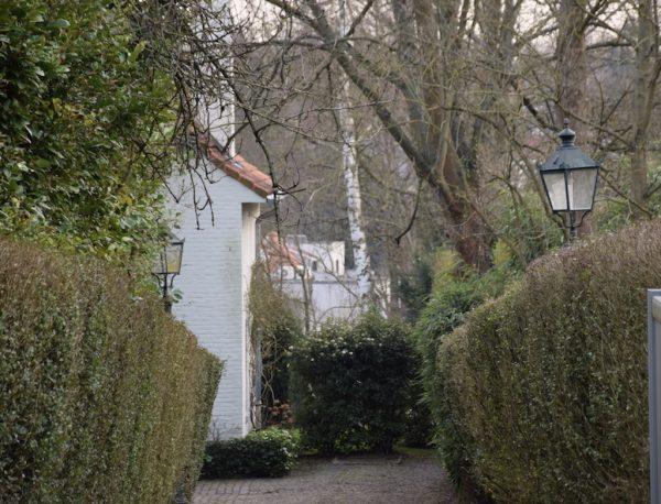 Uccle, un des quartiers les plus huppés de la ville de Bruxelles - Du style « beaux-arts », en passant par le style balnéaire, le style cottage et jusqu'au style « école d'Amsterdam », il y en a pour tous les goûts - Melting-pot de styles à Uccle - Bravo Discovery
