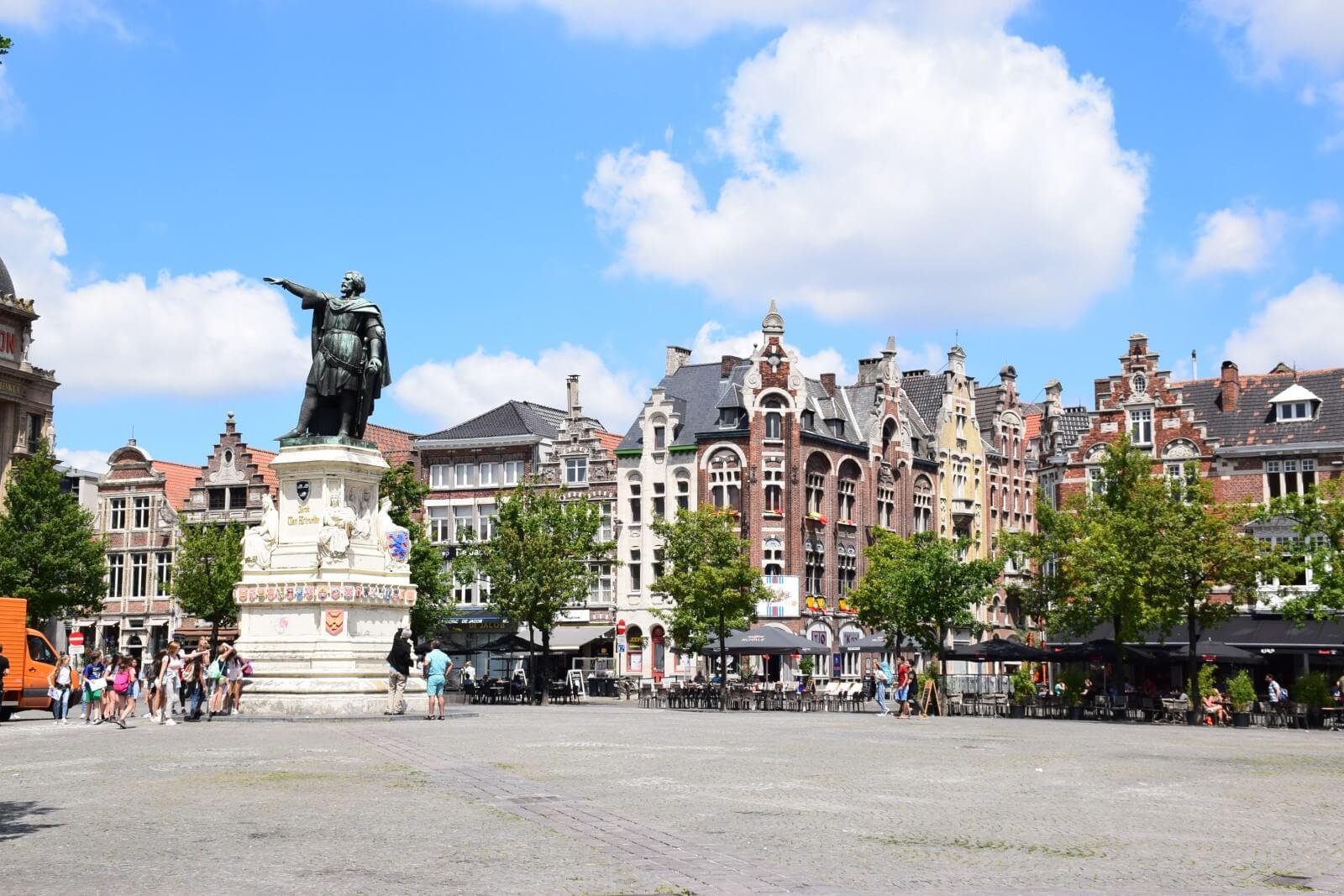 Statue of Jacob Van Artevelde in the Vrijdagmarkt (Friday Market).