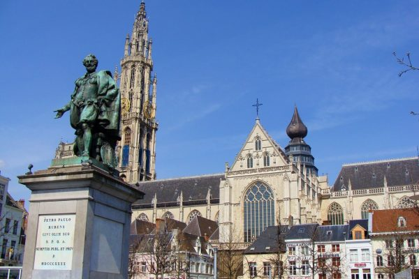 Statue of Peter Paul Rubens - The Cathedral of Our Lady (Antwerp) - Day trip to Antwerp.
